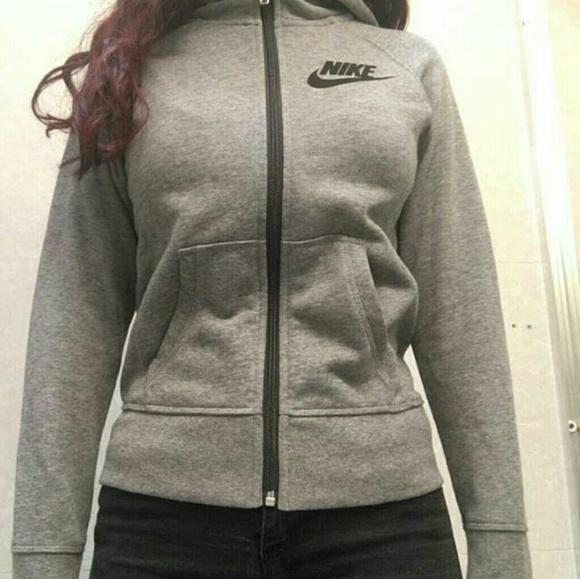 Nike tech girls sweater NWT